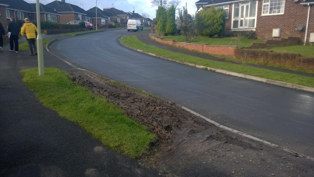 Damaged verge in Hope Road