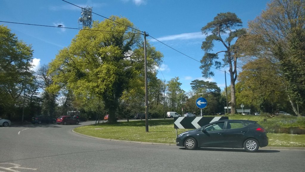 Kanes Hill Roundabout Safety Study